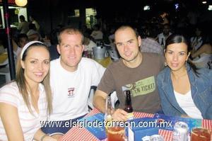 Ale Sepúlveda, Carlos Córdoba, Carlos Sada y Sofía de Sada.