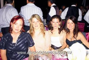 Lorena Tinoco de González, Ale Zarra de Rebollo, Lucero Soldevilla de Cayarga y Ana Méndez de De la Garza.