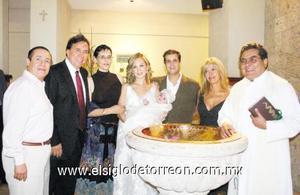 Sergio Cid Capetillo, Daniel Chávez Moral, Anna Alarcón de Palacios, Marusa Martínez de Cid con su hija Valeria, Sergio Cid, Rosario de Cid y Padre Gerardo Zatarain