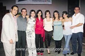 INAUGURAN NOVEDOSO CONCEPTO Oscar Farías, Daniel Rodríguez, Zaira Milán, Sandra Guzmán, Sofi Pérez, Cecy Ávalos, Caro Valadéz y Fer Olivares.
