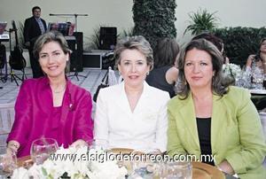 Mirita de Bredée, Moni de Ávila y Patricia Vargas de Villarreal.