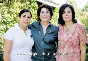 Tres generaciones: María Matilde Valdés Arellano, María Matilde García Valdés y María Matilde Campa García