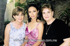 María Elena Morante López, Nallely Cárdenas Morante y Ana Mary Martín de Rosas.
