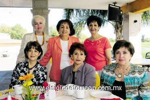 Alma Machado, Lucrecia V. de Álvarez, Celia Ramos, Ángeles de Lara, Lule Ibarra y Susana González.