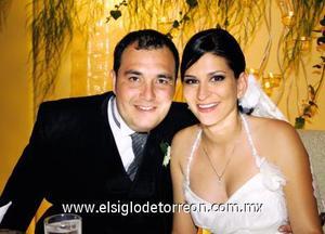 <I>UNEN SUS VIDAS</I><P> Roberto Ibarra Saucedo y Patricia García Álvarez.