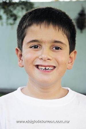 <I>CUMPLIÓ 7 AÑOS</I><P> R. Antonio Pérez Talamás.