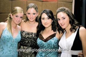 Estefanía, Ana Tere y Celina Berlanga y  Marisa Guerrero.