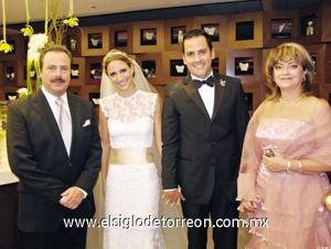 Enrique Martínez y Martínez, Daniela Murra Marroquín, Rogelio Cuellar García y Lupita de Martínez.