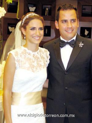<I>UNA BODA CON MUCHO AMBIENTE</I><P> Daniela Murra Marroquín y Rogelio Cuellar García.