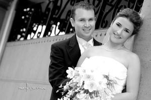 Srita. María Cecilia Villarreal Torre, el día de su boda con el Dr. Alfonso Javier Escudero Rendón. <p> <i>Estudio: Maqueda</i>