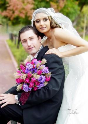Dr. Roberto Sánchez Moreno y Dra. Érika Orpinel Almanza contrajeron matrimonio el pasado 30 de septiembre de 2006 en la parroquia Los Ángeles.