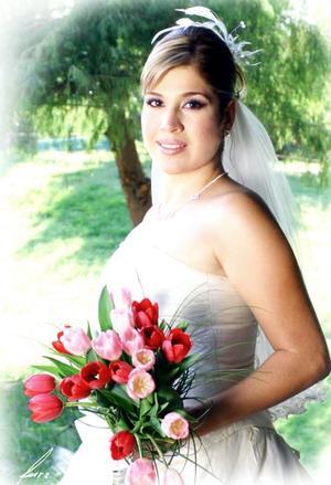 Srita. Alejandra Riesco Medrano, el día de su boda con el Sr. Alejandro Galván Alcántar.