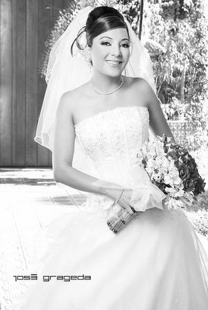 Srita. Verónica Yadira Quezada Trujillo unió su vida en sagrado matrimonio a la del Sr.Luis Armando Mendoza Moreno. <p> <i>Estudio: José Grageda</i>