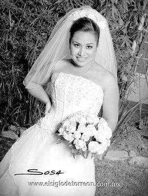 Srita. Elba Fernández Hernández el día de su boda con el Sr. Raúl Gerardo Téllez Sánchez.  <p>  <i> Estudio: Sosa</i>