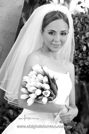 Lic. Blanca Hernández Martínez el día de su enlace matrimonial con el Ing. Guillermo  Espinosa Rodríguez. <p>  <i> Estudio: José Grageda</i>