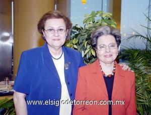 01122006  Cristina de Vázquez y Martha de Sada.