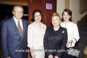 01122006  Triny y Yola Cantú, Paulina Echeverría y Cris Roel.