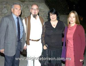 04122006 Lorenzo de Lira, Diego José, Gabriela Nava y Rebeca Vargas.