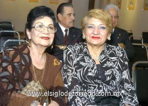 04122006 Rosina de De Alvarado y Dora Luz González.