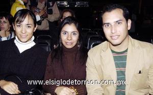 03122006  Daniela Wong, Aliana Arroyo y Lauro Leal.