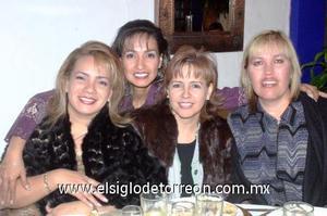 03122006  Gaby de la Fuente, Tita Izaguirre, Vero del Río y Fabiola del Río.