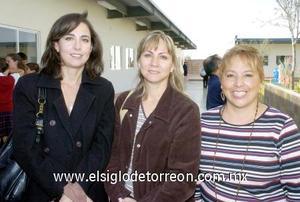 03122006  Gloria Sánchez, Sonia de Meza y Yolanda Castillo.