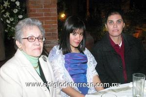 03122006  María del Refugio Escobedo, Sofía Marlene Barrera y Cony Ceniceros.