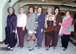 03122006  María Revueltas, María Cabrero, Angelina Colores, Vivi de la Peña, Claudia de la Fuente, Marilú Finck y Tere Iglesias.