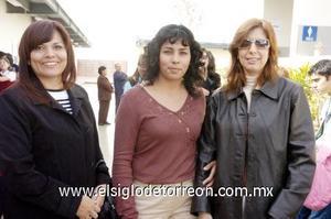 03122006  Ninfa Rodríguez, Carmen Martínez y Mayela Flores.
