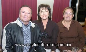 05122006 Ricardo Plata, Georgina Solís de Plata y Elsa de García.