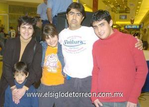 06122006 Claudia, Óscar, Amanda, Renato y Jaime de la Rosa Valdepeñas.