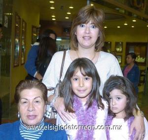 06122006 Lucy de Carrillo, Lucy Barraza, Marifer y Maripao.