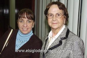 07122006 Mary Tere Martín y Ana Mary Bringas de Martín, captadas recientemente.