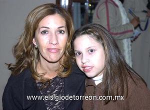 09122006 Elisa Duarte de Campa y Regina Campa.
