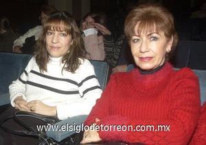09122006 Emma de De León y Mónica de Landázuri.