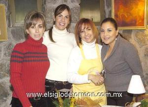 09122006 Eva López, Rocío Díaz, Claudia Cárdenas y Lizeth Safa, en la posada del Club Mimosa.