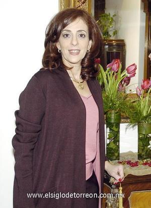 08122006  Linda Handal de Zarzar. cortar derecha