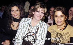 08122006  Silvia Martínez, Laura Prado y Bety Monsiváis.