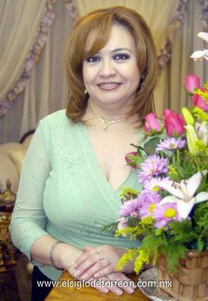 10122006  Adriana Elsa Álvarez Cano festejó su cumpleaños.
