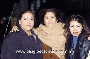 10122006  Edith Macías y Norma Herrera.