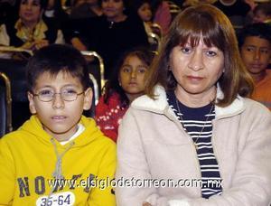 10122006  María Elena Tapia y Javier Olvera.