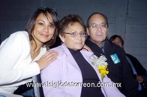 10122006  Maru Rodríguez, Irene Martínez Rebolloso y Rogelio Rodríguez.