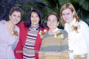 10122006  Palmira de Martín, Claudia de Rebollo, Mercedes Naima de Mexsen, anfitrionas del convivio.
