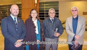 10122006 Rodolfo Garza, Georgina Palacios, Jaime Guerrero y Apolo Flores.