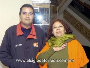10122006  Silvia García y Roberto Ojeda.