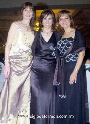 10122006  Sonia Zarzar, Nadia de Giacomán y Nury de Ramos.