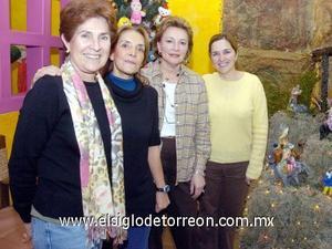 15122006  Norma de Franch, Lupis Flores, Sofía Kienzler y Cecy Murra.