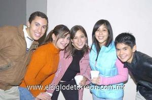 11122006 Raymundo, Valeria, Sandra, Mónica y Manuel.