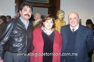 11122006 Ricardo Garrido, Laura Eraña y Armando Guerra.