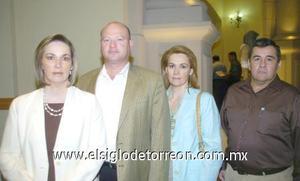 14122006 Ana Isabel Reyero de García, Roberto García, Eugenia Reyero de Diez y Eduardo Diez.